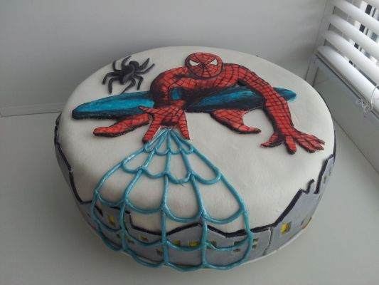 фото торта с человеком пауком